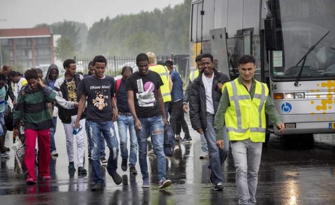 ЕС ще разсели по-малко мигранти