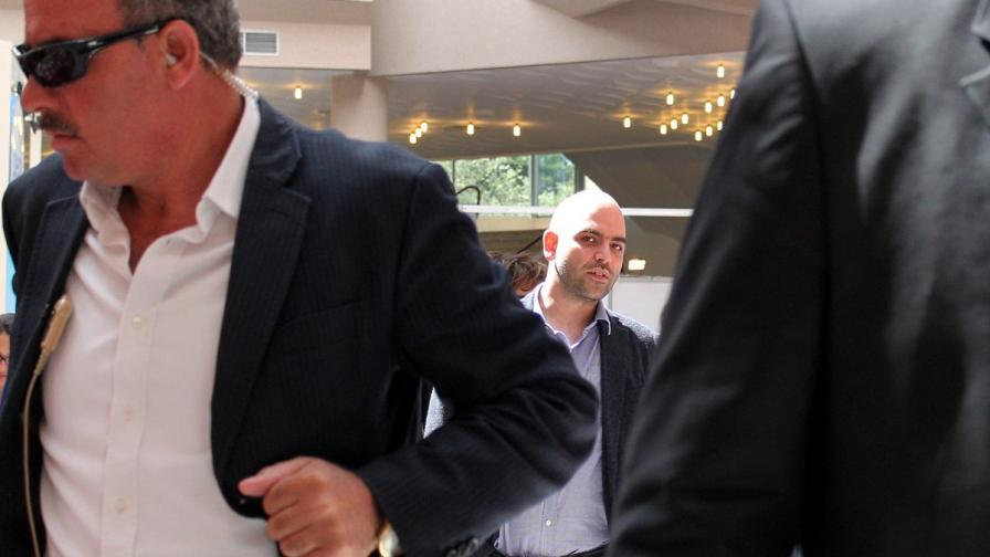 Иззеха милиони от адвокат на мафията, заплашвал писателя Роберто Савиано