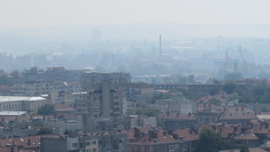 Запалени стърнища в Румъния обгазиха Русе