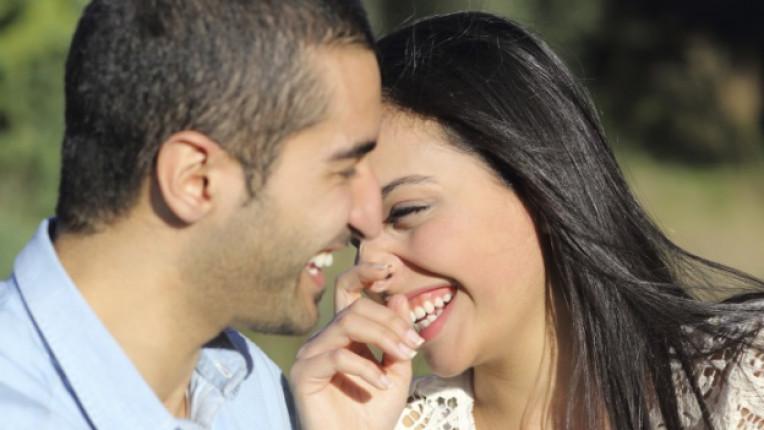 двойка любов връзка щастие