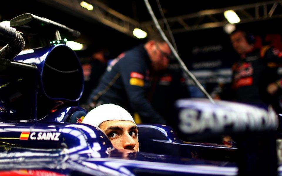 Карлос Сайнс – най-изпреварваният пилот през сезона във Ф1