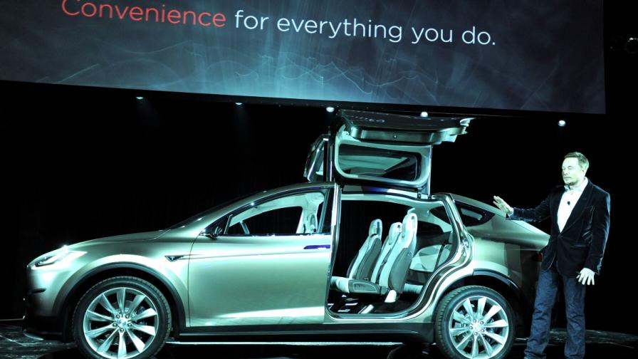 """""""Тесла"""" Продажбите на Model X започват до месец"""