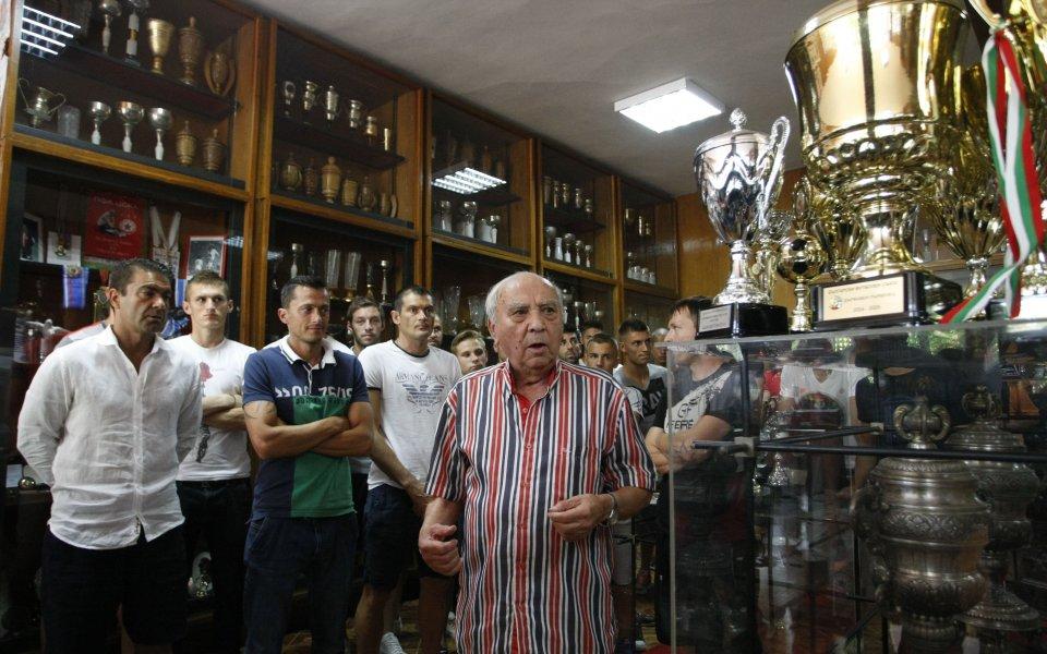 Играчите на ЦСКА се запознаха с клубната история