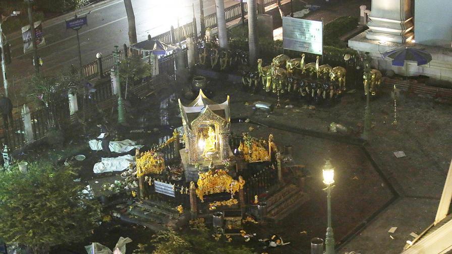 Най-малко 12 убити в експлозия в центъра на Банкок