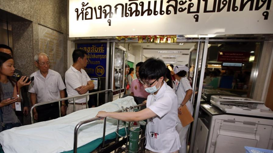 Бомбена експлозия в Банкок уби най-малко 27 души