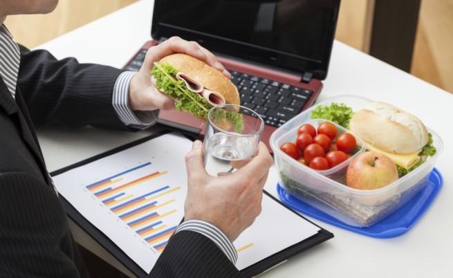 От храненето на бюро се дебелее