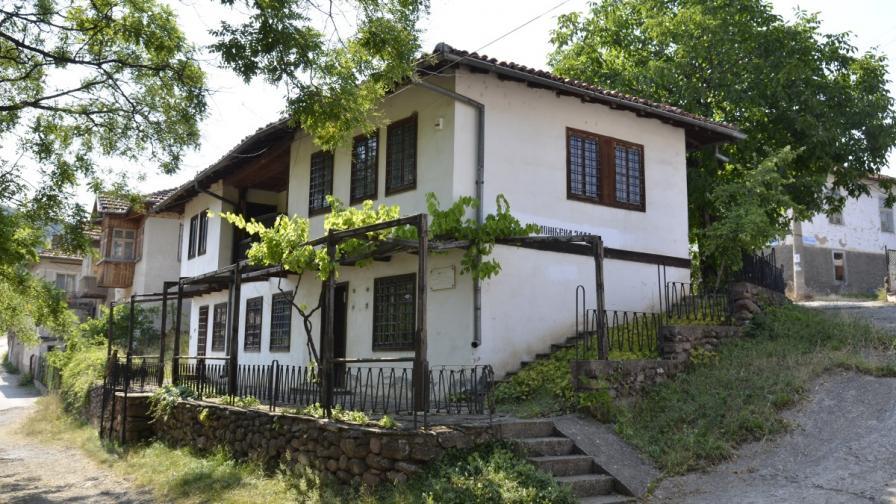 Семейна къща в Чипровци
