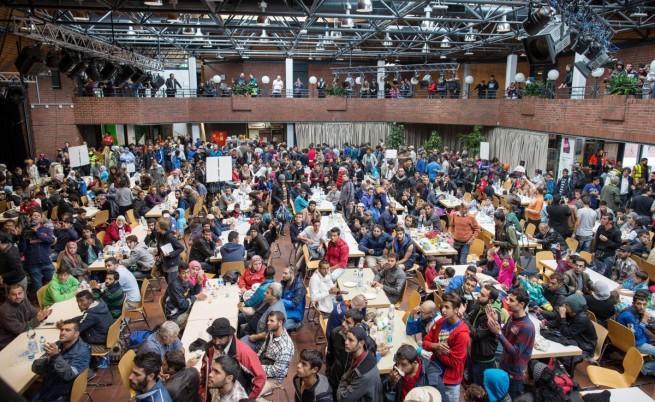 Бежанците в Германия: Само германска храна, а сме араби