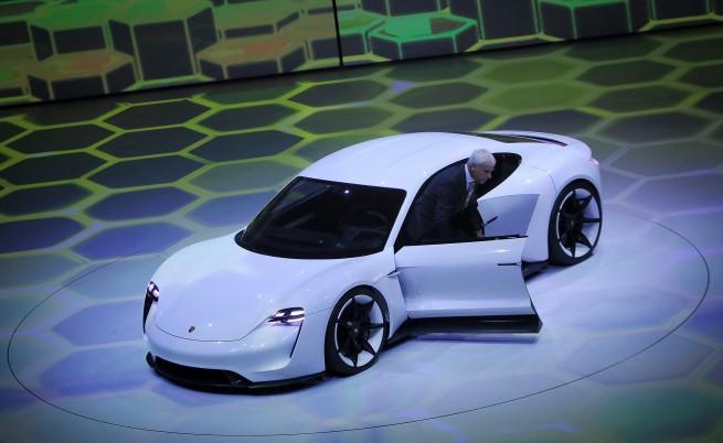 Германците показаха колата на бъдещето