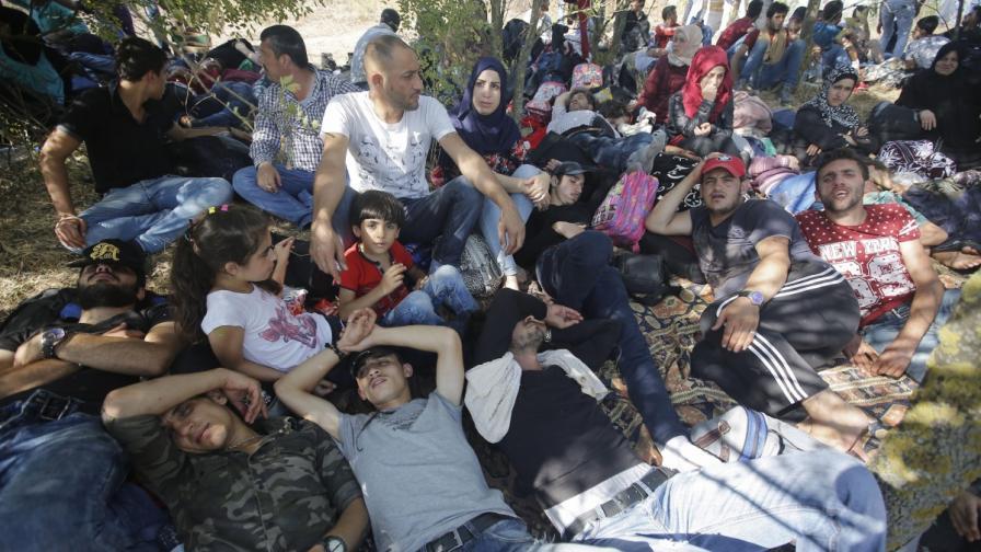 Бежанци на магистралата между Истанбул и Одрин
