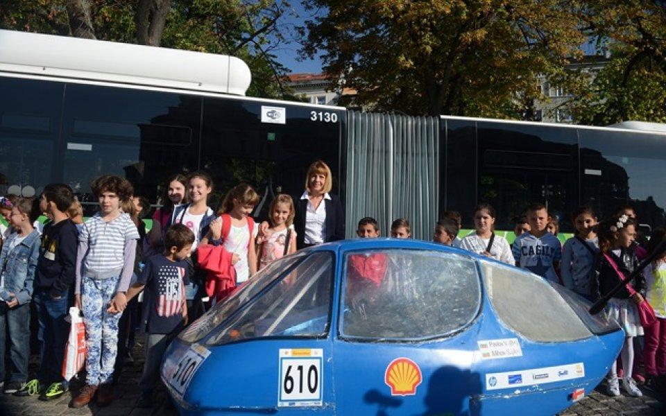 Студенти от ТУ представиха екоавтомобил на Европейската седмица на мобилността