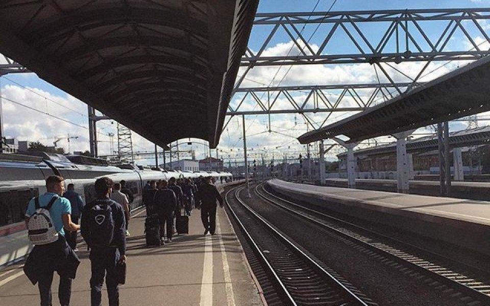 Зенит замина на мач с влак