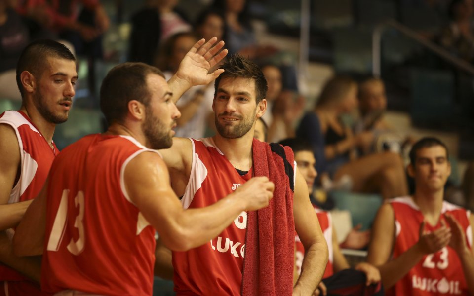 СНИМКА: Победното селфи на шампионите в Израел