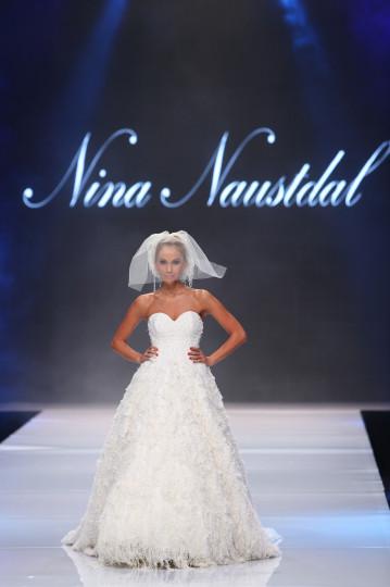 Ревю на Нина Ношдал по време на Софийската седмица на модата