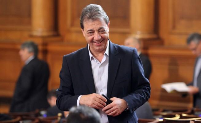 Вили Лилков има решение за бездомните кучета в София