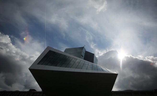 Полезно ли е еврото за икономиката?