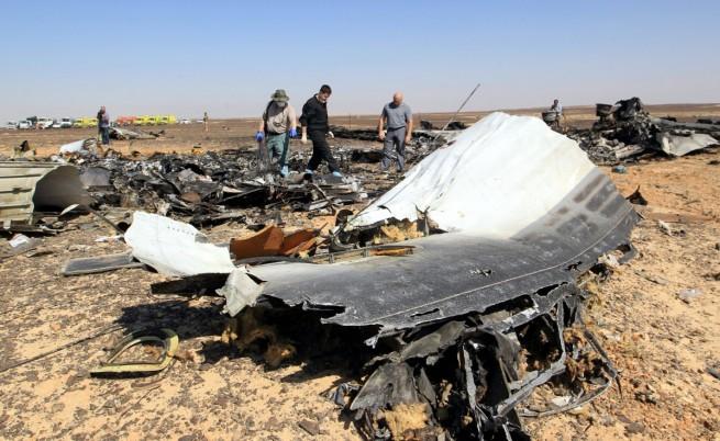 """""""Когалимавиа"""": Само механично въздействие отвън обяснява разпадането на самолета"""