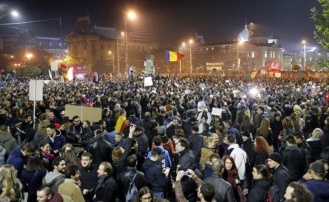 30 хил. протестираха в Румъния, въпреки оставката на Понта