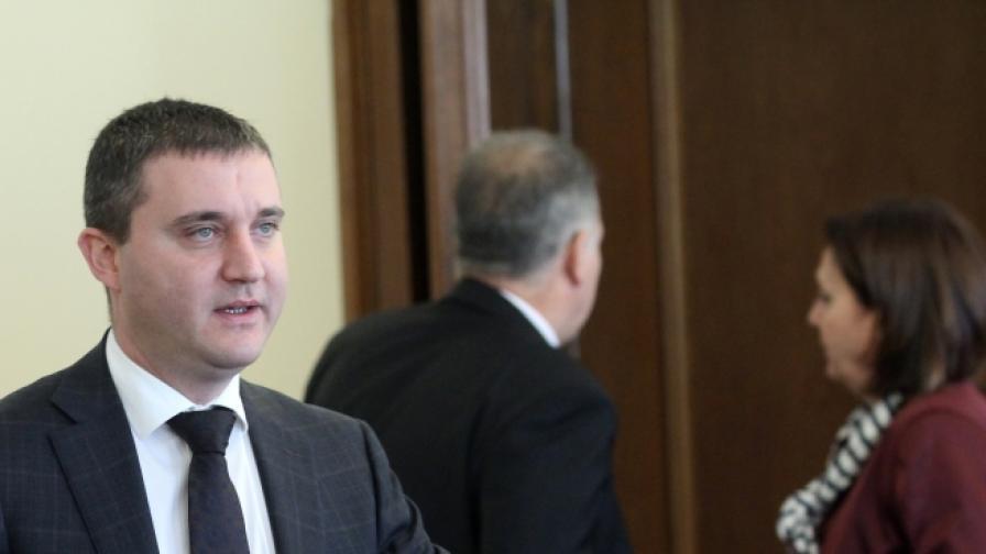 Парламентът одобри гаранция за заем от 1,2 млрд. лв.