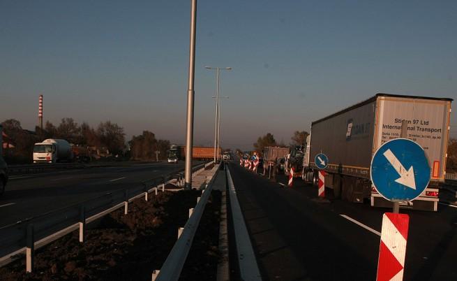 Летни ремонти и тапи по магистрали и в София