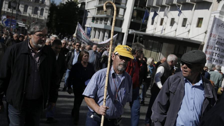 Гърция е парализирана