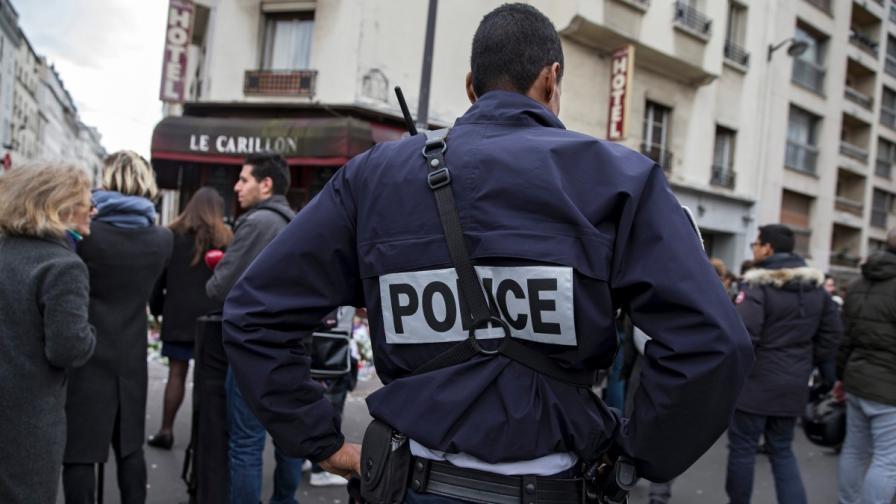 Хванаха три предполагаеми терористки във Франция