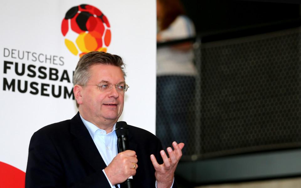 Шефът на германския футбол: Работя добре с Михайлов, помня златния ви отбор от 1994