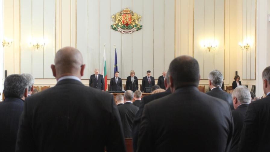 Парламентарните групи в НС осъдиха терористичните атаки