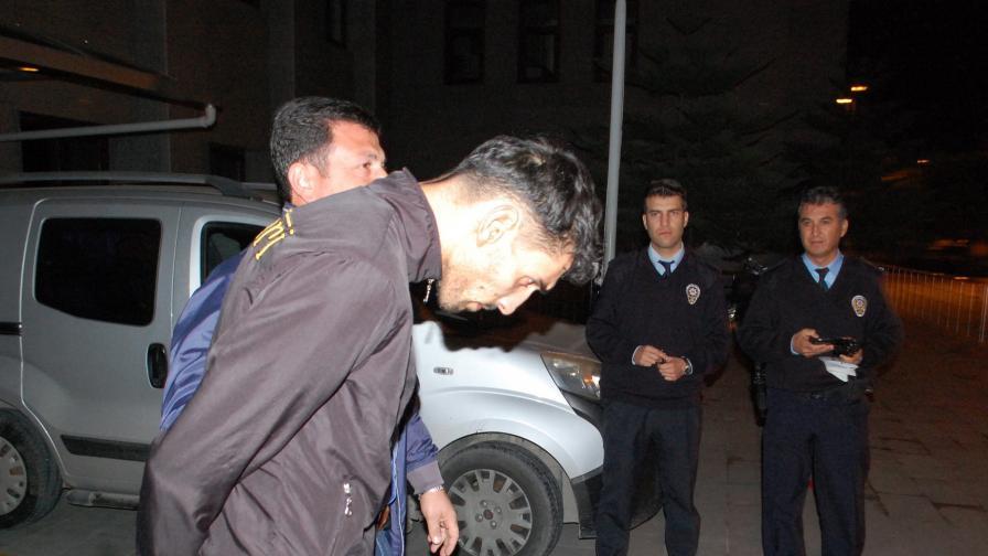 Турция задържа предполагаемия организатор на атентатите в Париж