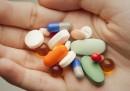 Огромните печалби на лекарствената мафия