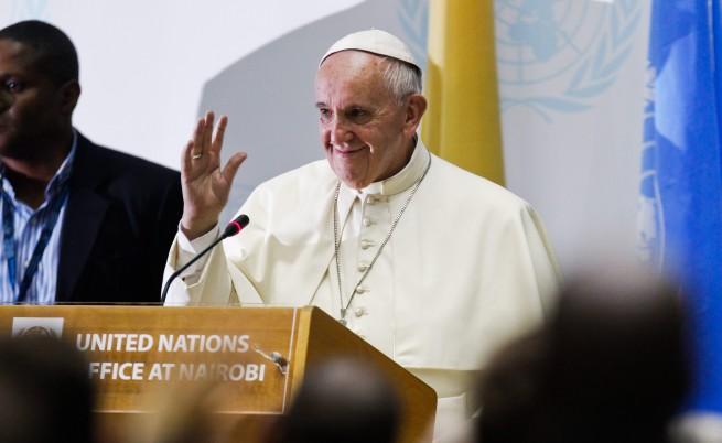 """Папата: Ще е """"катастрофално"""" ако няма решение за климата"""