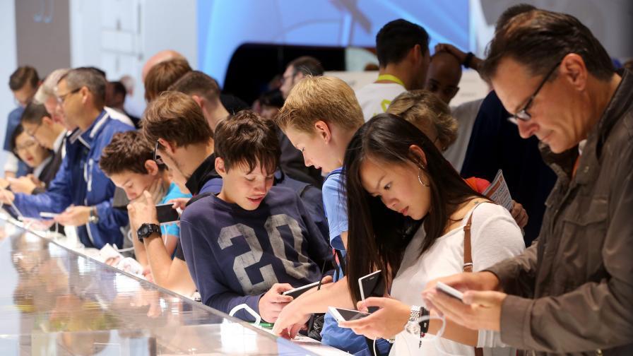 Прекомерната употреба на телефона води до похотливост