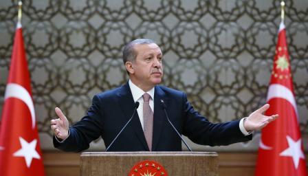<p>Управляващата коалиция в Турция се разпада, Ердоган остава ли сам</p>
