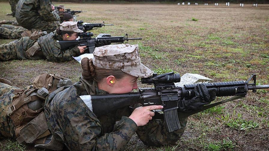 Американската армия дава достъп на жените до всички бойни постове