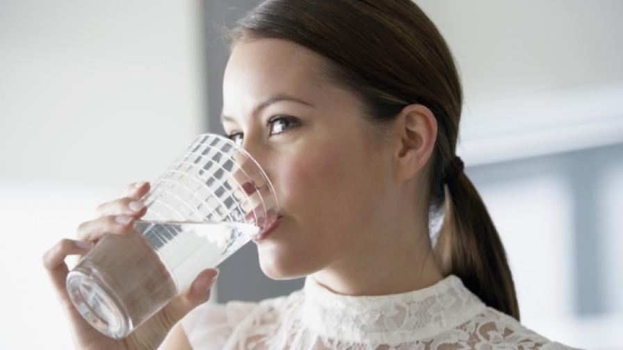 Как изглежда водата, която не се пие, а яде и още...