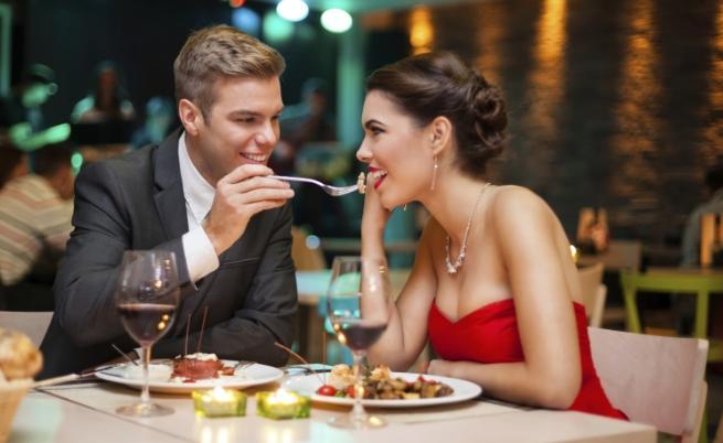 любов романтика вечеря