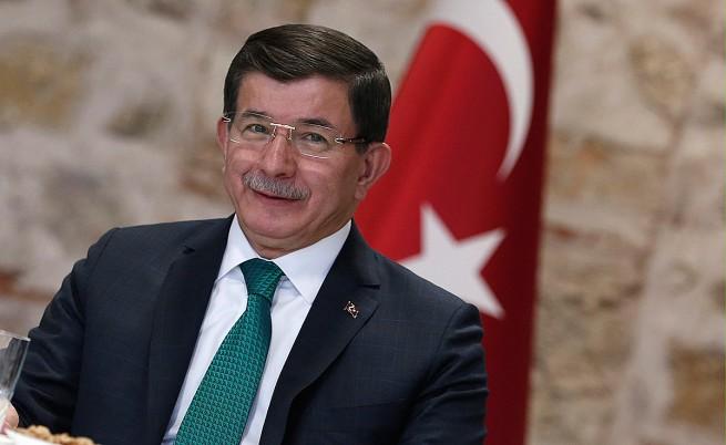 Турският премиер обвини Русия в опит за етническо прочистване в Северна Сирия