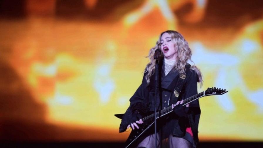 Мадона: Няма да се подадем пред страха