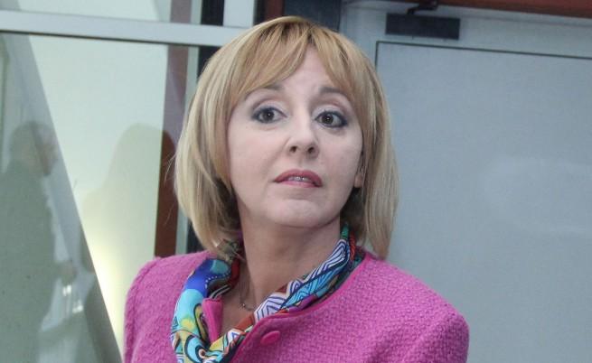 Мая Манолова срещу събирачите на дългове