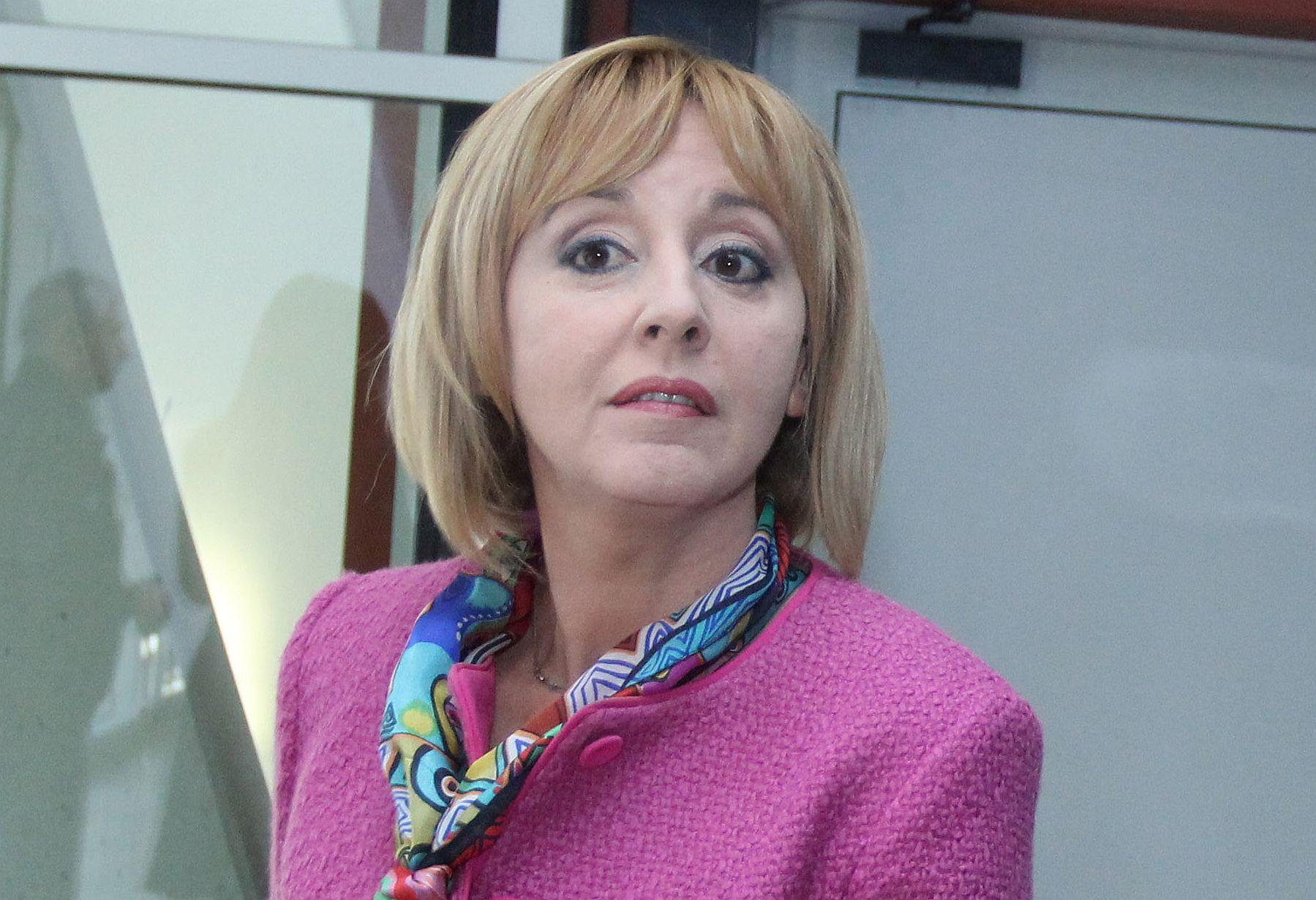 Мая Манолова е кандидат за кмет на София, независима е, подкрепена от БСП. В Инициативния комитет влизат фолк певицата Анелия и рапърът Криско, начело е Никола Вапцаров.