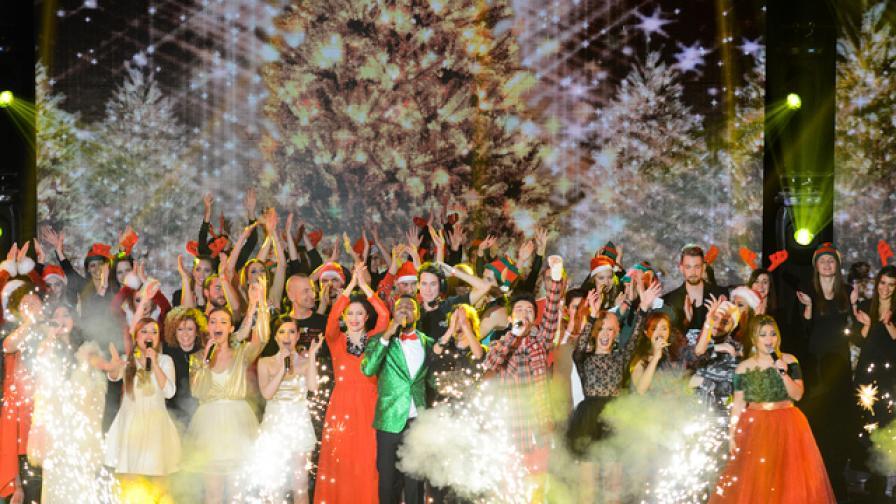Финалистите на X Factor посрещнаха Коледа с концерт