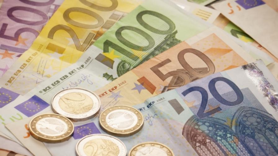 Дете намери и върна 54 000 евро във Велинград