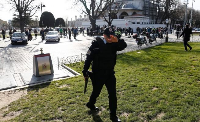 11 туристи убити при атентат в центъра на Истанбул