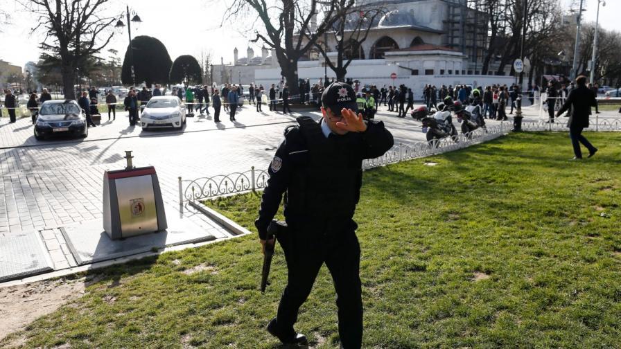 Четирима души са арестувани за атентата в Истанбул