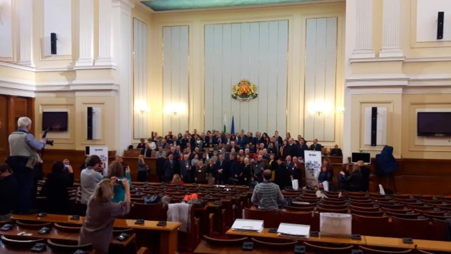 """Министърът на здравеопазването Петър Москов участва в церемонията по награждаването на личностите от инициативата """"Лекарите, на които вярваме"""