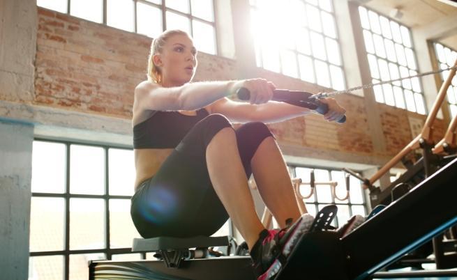 жена фитнес упражнения
