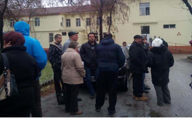 Отново протести в Стрелча, хората не вярват на болестите на Евстатиев