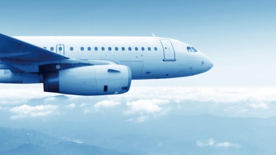 Разби се пътнически самолет с 47 души на борда