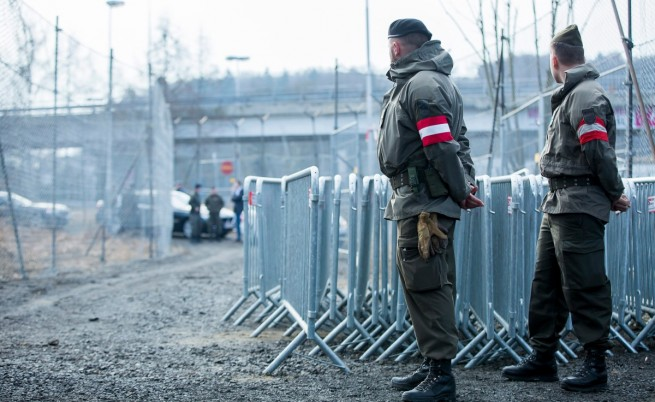 Австрия: Ако Турция не си вземе мигрантите, затваряме границите