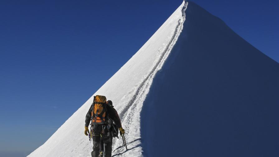 Български алпинист е загинал на Елбрус